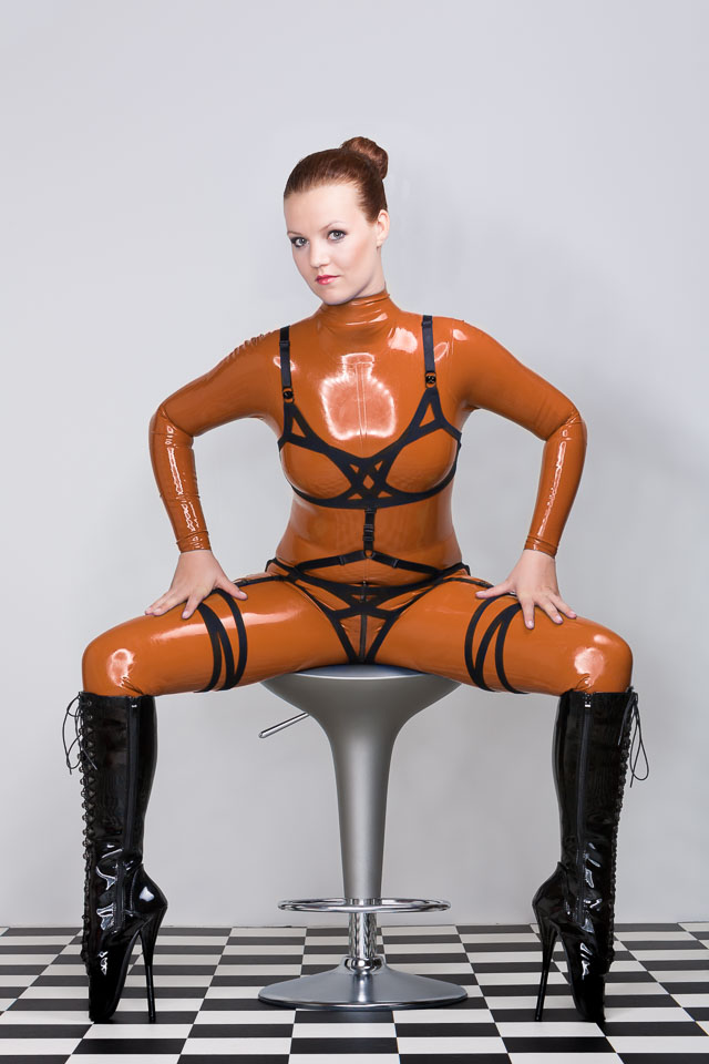 Eva in Latex