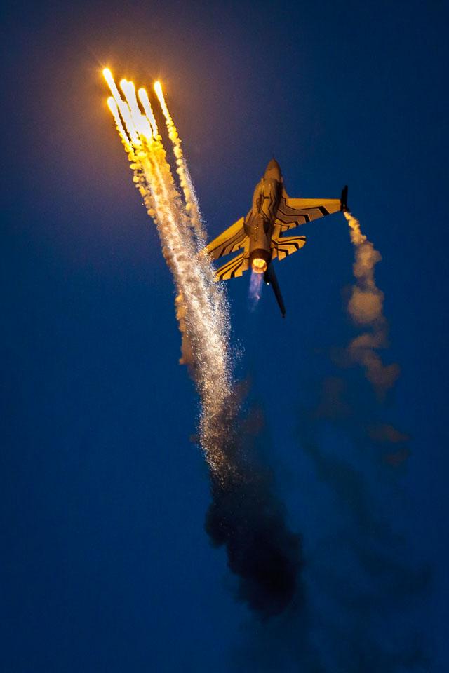 Belgium Air Force F-16 Demo at Sanicole Sunset Airshow