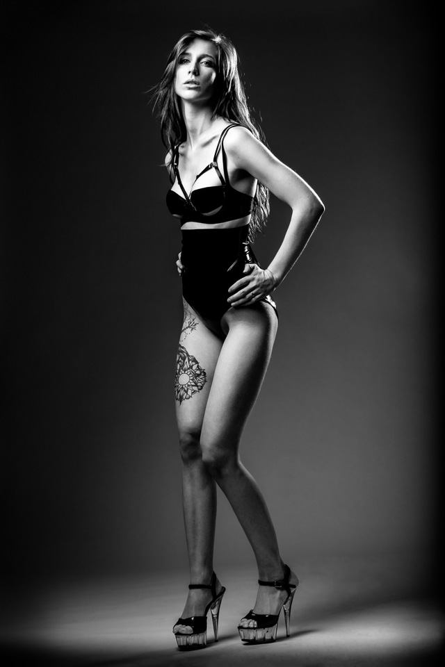 Annelies in Latex by Zorenko London