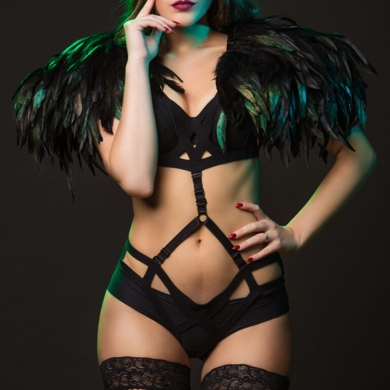 Feathered Pleasures with Shannety