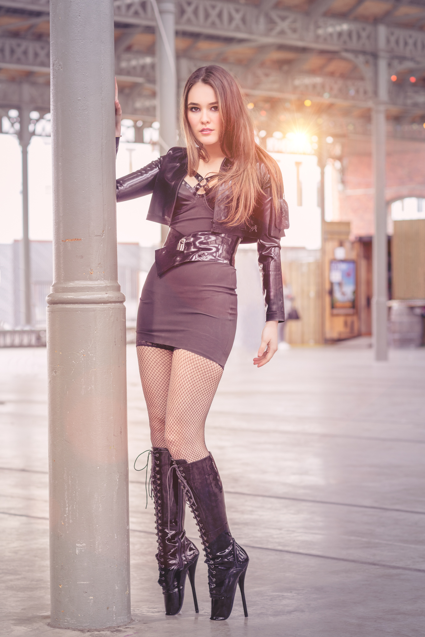 Shannety in Latex by Meat and Pandora Deluxe and Ballet Heels by Kassiopeya