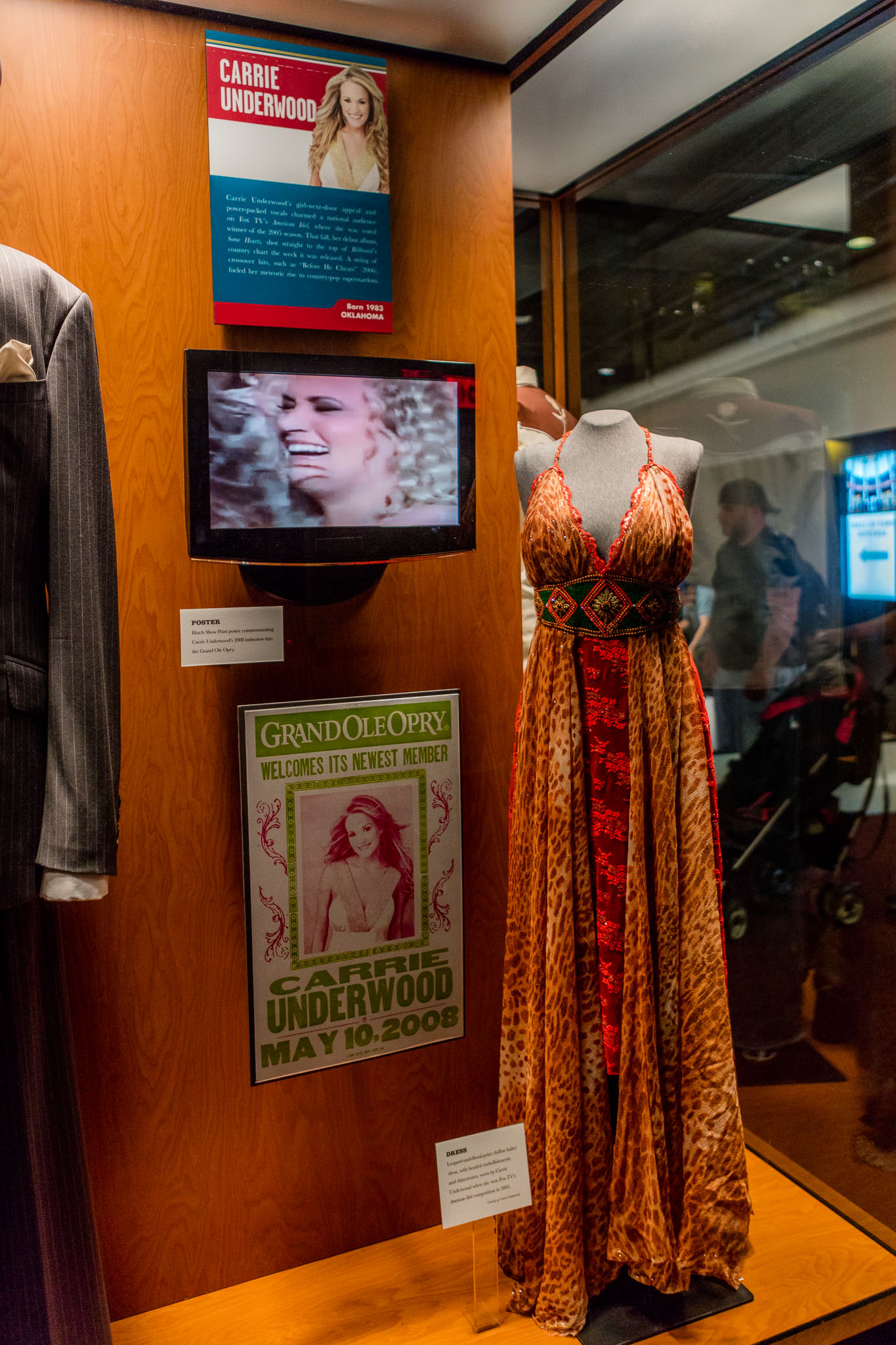 Wardrobe of American Idol 2005 WinnerCarrie Underwood at CMHOF