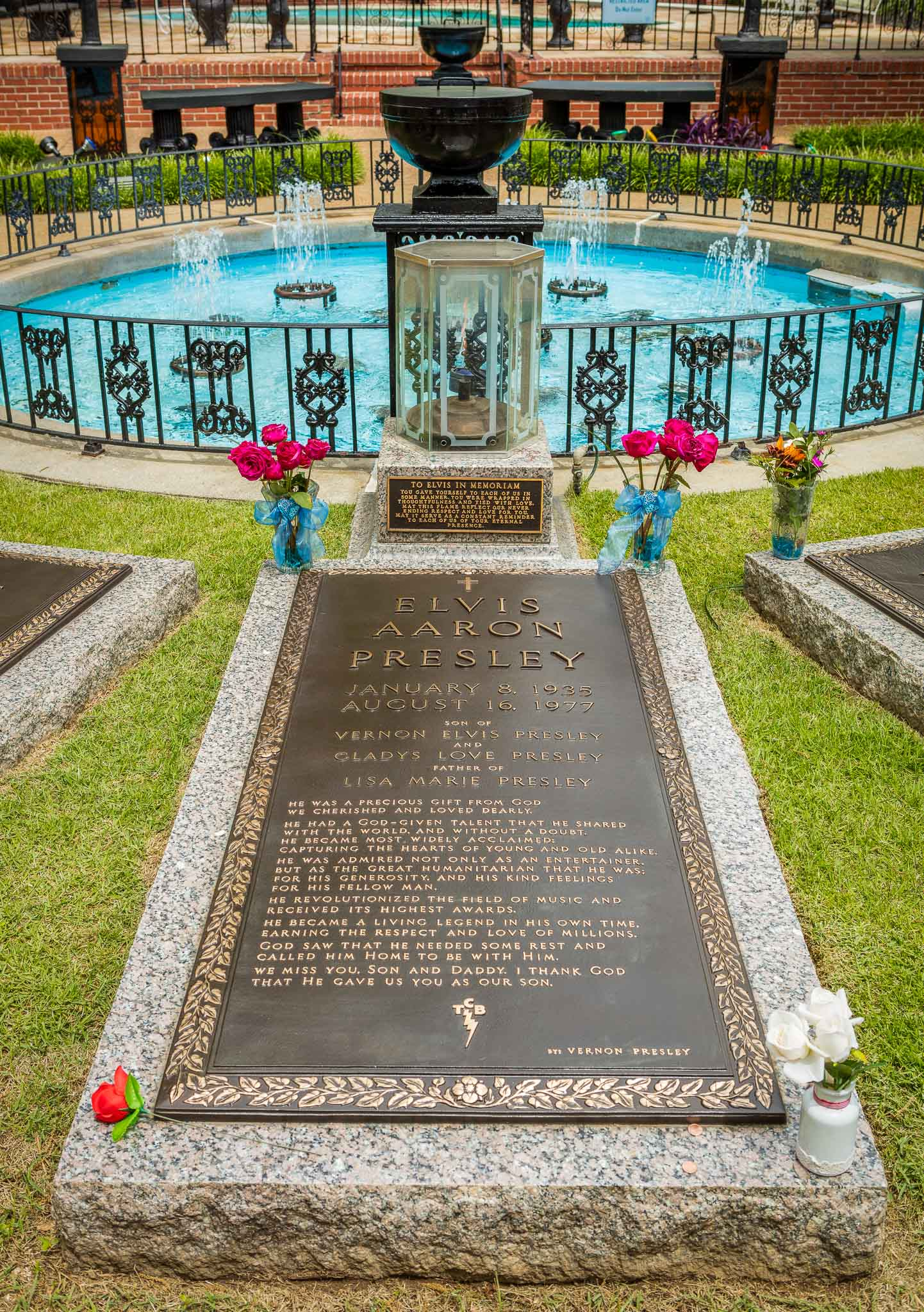 Elvis Presley's Last Resting Place