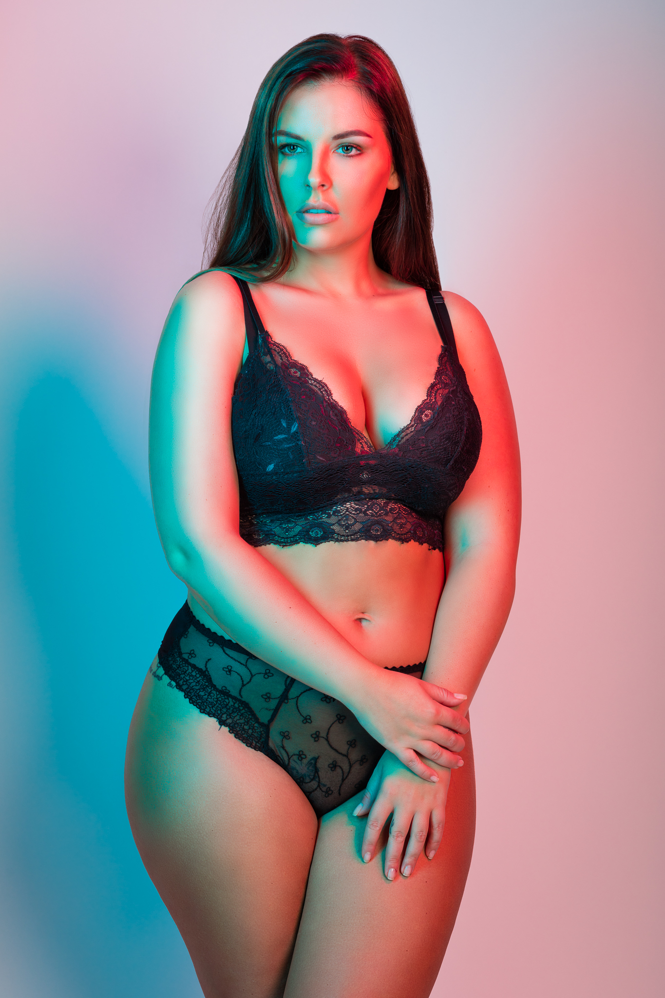 Curvy Model Sharon in Lingerie