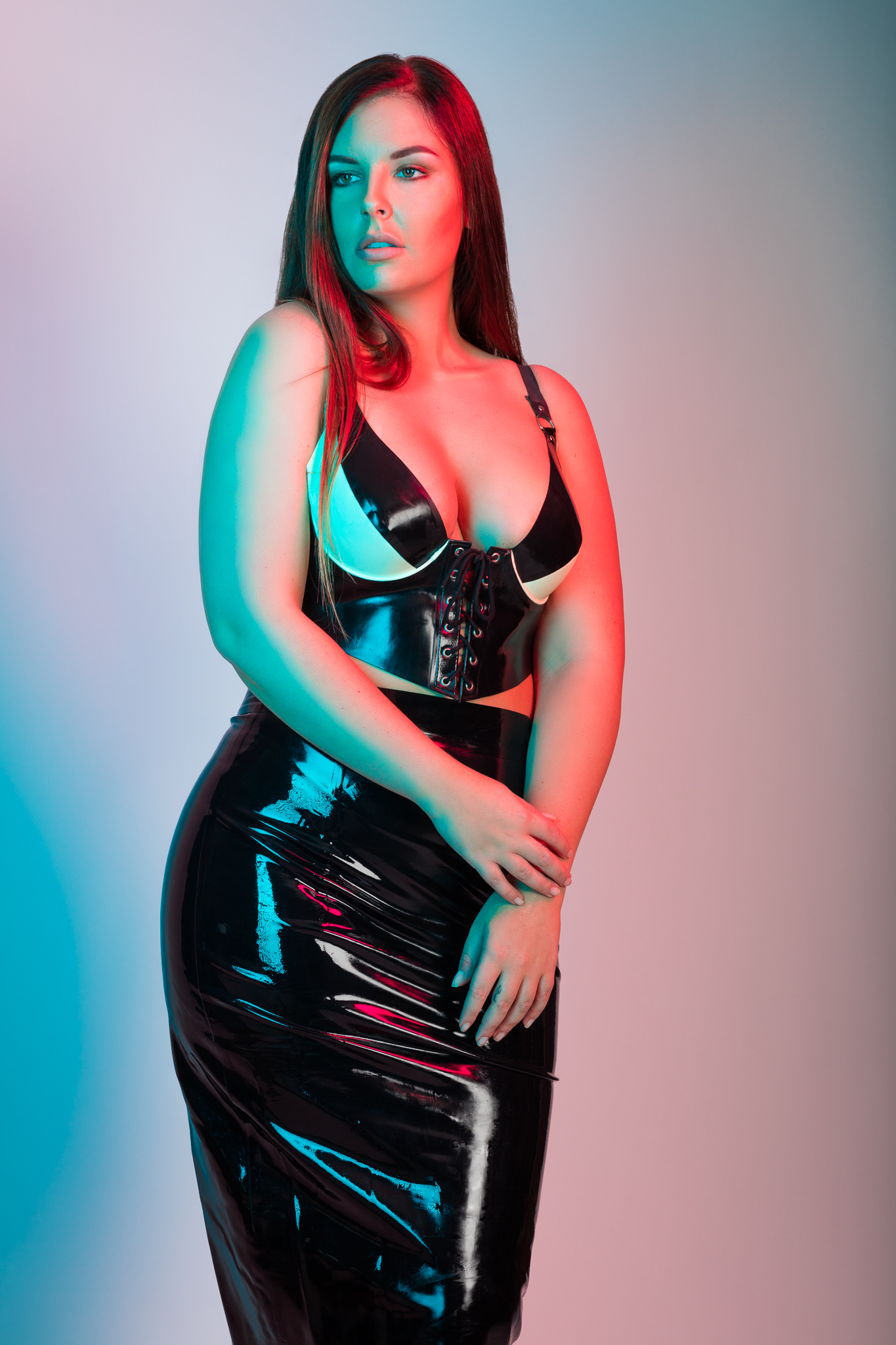 Curvy Model Sharon in Latex