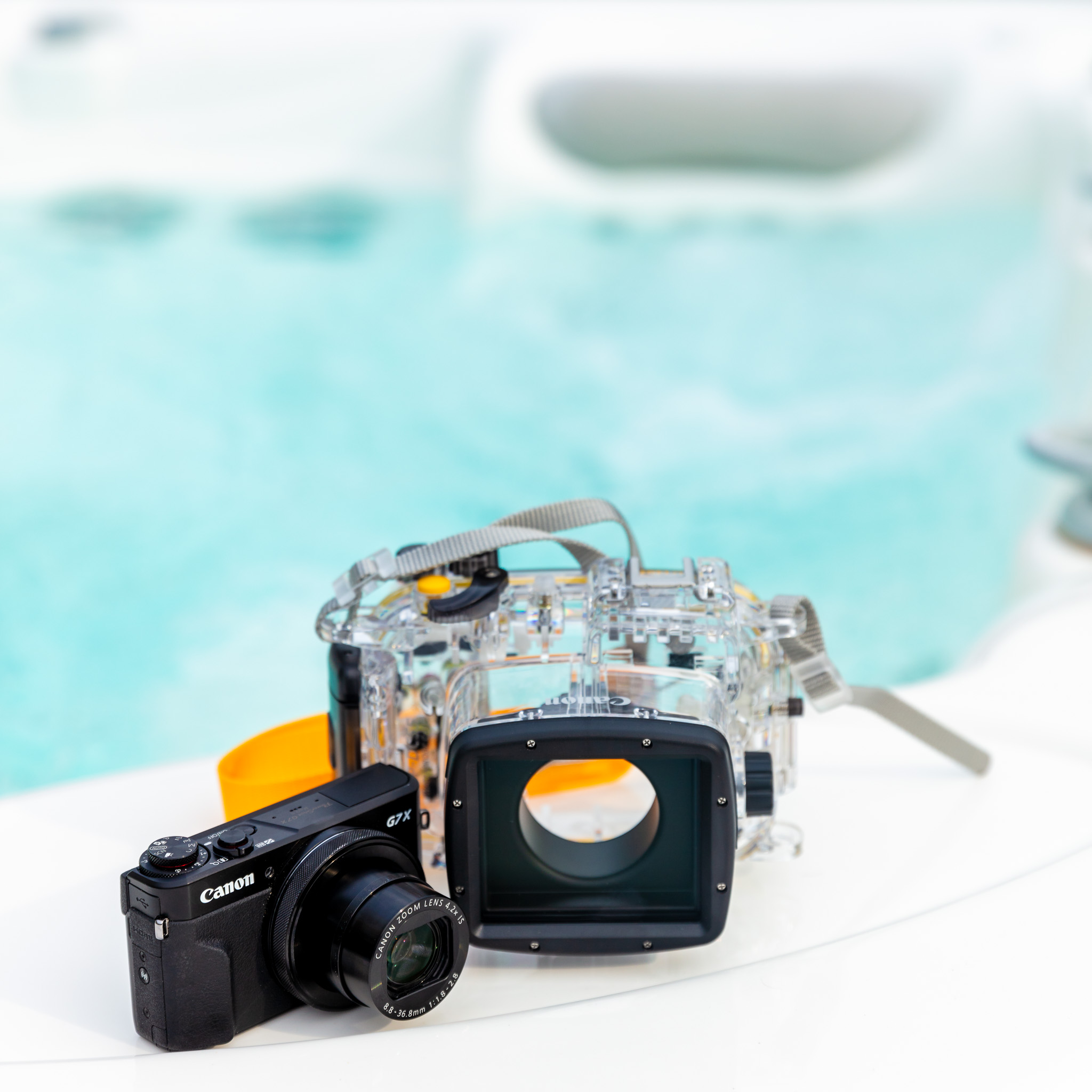Canon PowerShot G7X mkII with Underwater Housing